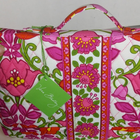 f5754ebb4c Vera Bradley Lille Bell Changing Pad Clutch NWT